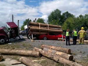 Res-Q-Jack Struts Assist In Rescuing Trapped Driver - Semi